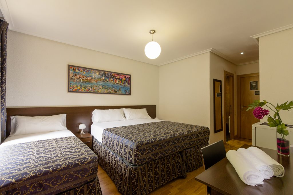 habitacion triple pension laurel logroño